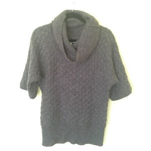 Old Navy short sleeve cowl neck sweater SZ S. Gray